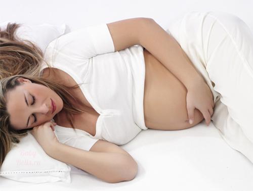 Белые выделения в конце беременности
